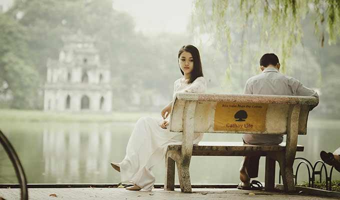 Foto de Me sinto solitária mesmo com um marido ao lado