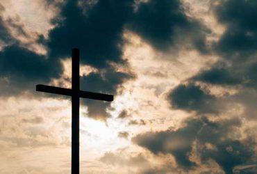 """Eu não acredito na """"minha"""" própria religião"""